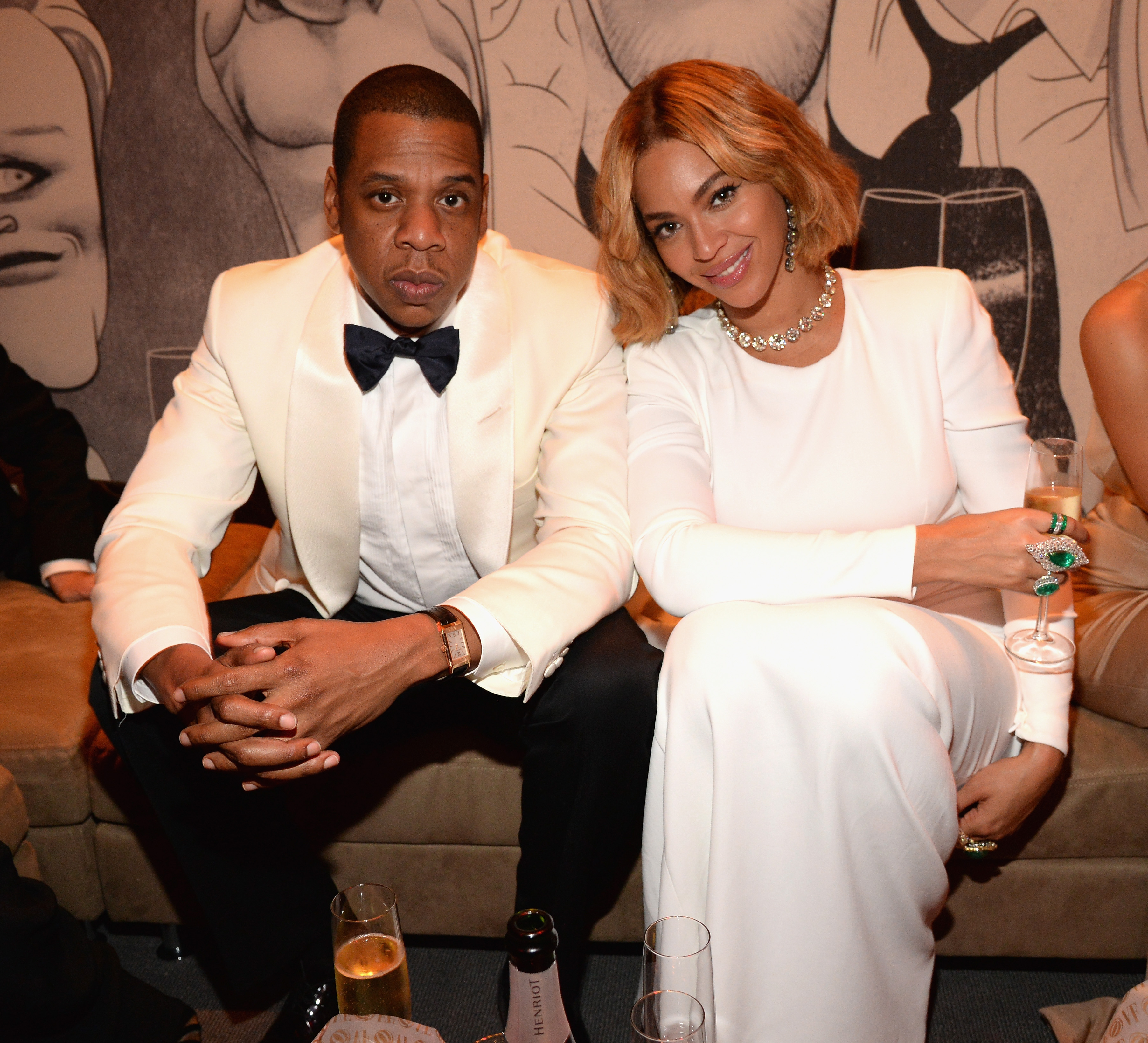 BEVERLY HILLS, CA - FEBRUARY 22: (EXCLUSIVE ACCESS, SPECIAL RATES APPLY) Jay Z and Beyonce attend the 2015 Vanity Fair Oscar Party hosted by Graydon Carter at the Wallis Annenberg Center for the Performing Arts on February 22, 2015 in Beverly Hills, California. (Photo by Kevin Mazur/VF15/WireImage)